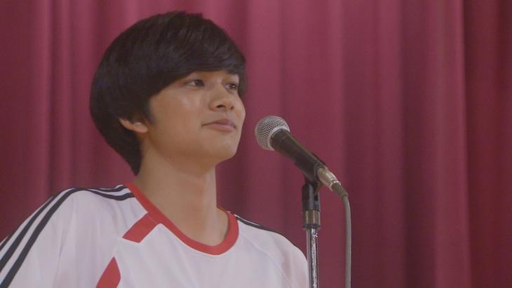 明石家さんまを演じる北村匠海(DISH//)。(c)日本テレビ