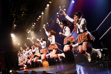 HKT48「HKT48 6フェス ~LOVE&PEACE!ROCK周年だよ、人生は…~」1期生ファンミーティングの様子。(c)AKS