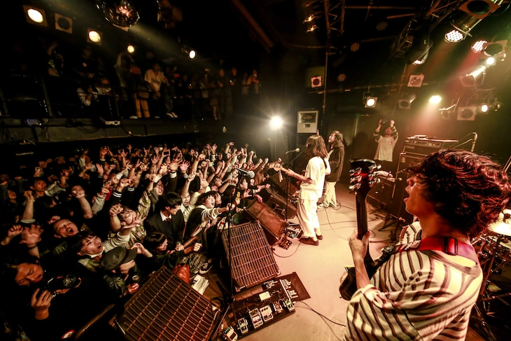 TENDOUJI「TENDOUJI 『MAD CITY』Release Tour」東京・新宿MARZ公演の様子。(撮影:石崎祥子)