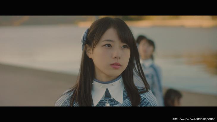 STU48「暗闇」ミュージックビデオのワンシーン。 (c)STU / You,Be Cool! / KING RECORDS