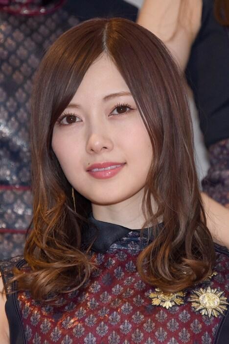人気画像1位は「乃木坂46、生駒卒業20thシングルのセンターは」より、白石麻衣。