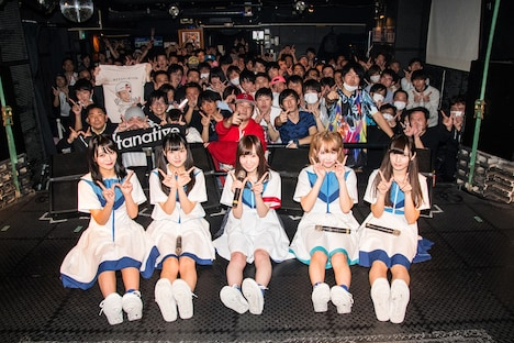 12月30日に東京・渋谷CLUB CRAWLで行われたヲルタナティヴ「wo」の様子。(撮影:古川朋久)