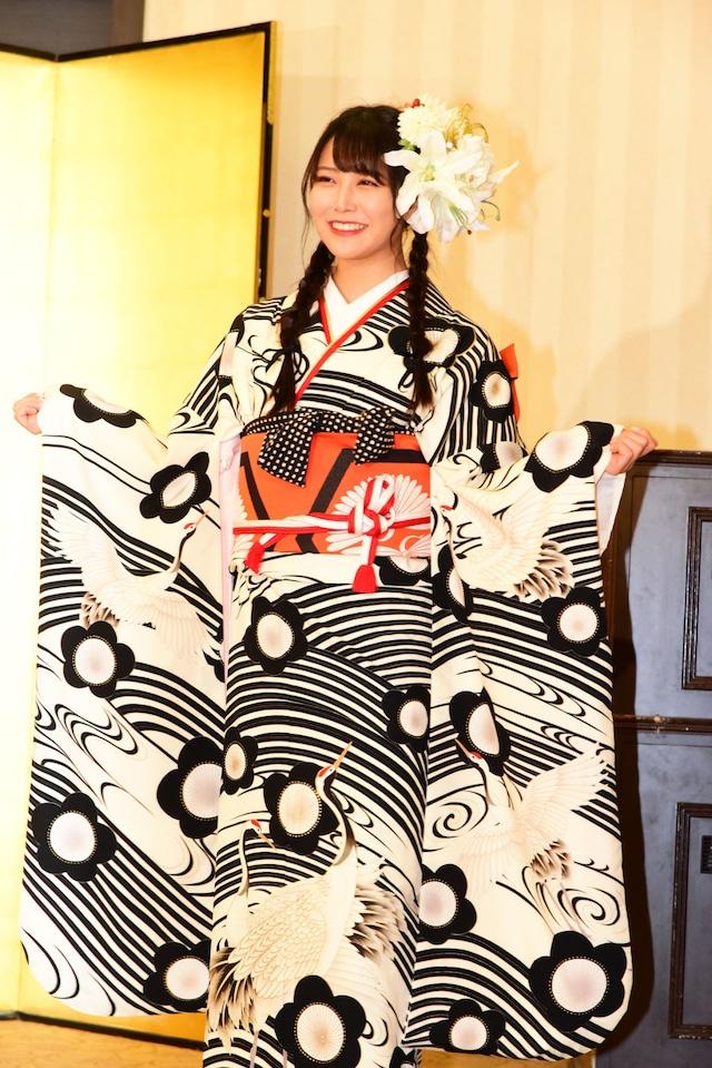 白間美瑠(NMB48チームM / AKB48チームA兼任)