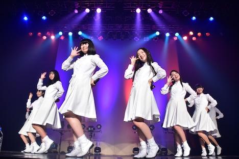アイドルネッサンス「年またぎ!名曲ルネッサンス全曲披露ライブ」第4部の様子。
