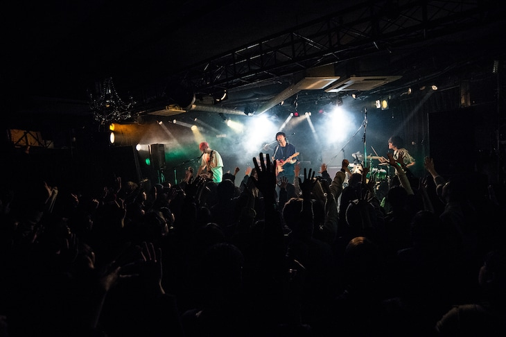 "「PELICAN FANCLUB ONEMAN LIVE ""SPACE OPERA"" -OK BALLADE-」の様子。(Photo by Hikaru hagiwara)"