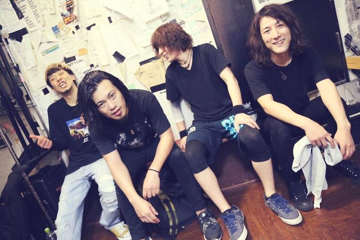 松尾昭彦バンド。左から2番目が松尾昭彦。