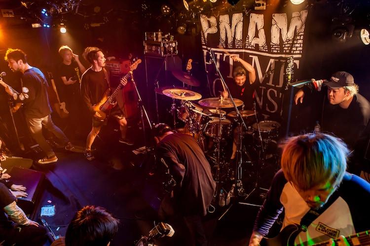 """SHADOWS(Photo by Takashi """"TAKA"""" Konuma)"""