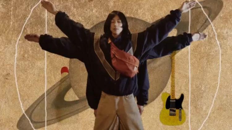 キイチビール&ザ・ホーリーティッツ「トランシーバ・デート」ミュージックビデオのワンシーン。
