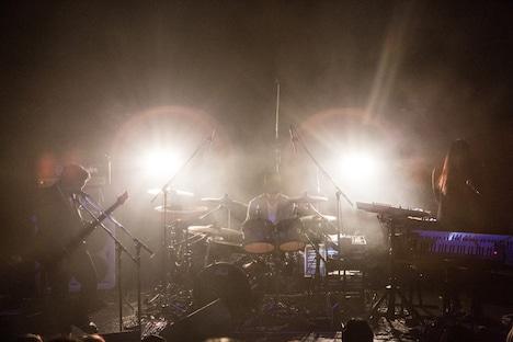 """POLPO「PWYW LIVE 2018 """"peels off""""」東京・WWW公演の様子。(Photo by Daisuke Ishizaka[Hatos])"""