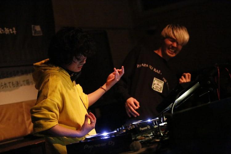 DJ 石毛輝(lovefilm、the telephones、Yap!!!)(Photo by Ai Yakou)