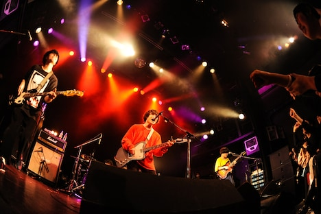 「The Floor Presents『In Train Tour』」WWW公演の様子。(Photo by MASANORI FUJIKAWA)