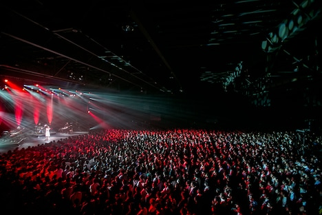 Aimerのステージの様子。(Photo by Taku Fujii)