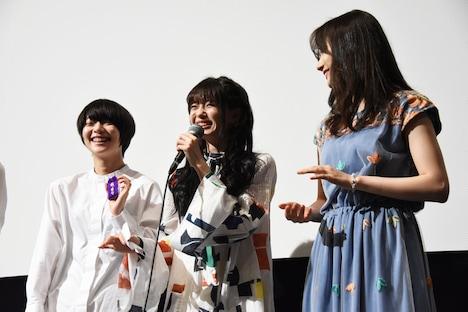 左からりりか、市川美織(NMB48)、秋月成美。