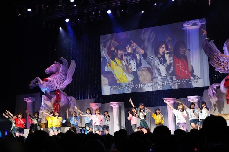 ラストアイドルファミリー 2ndシングル発売記念コンサートの様子。(写真提供:Virgin Music)