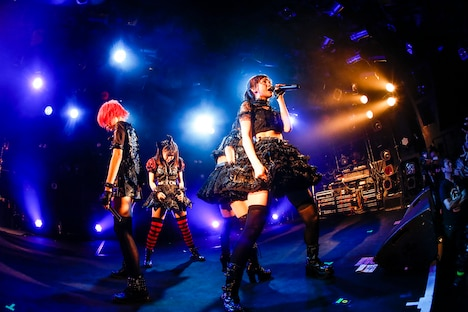 LADYBABY「TOUR2018-SADAME-」東京・渋谷CLUB QUATTRO公演の様子。(撮影:タマイシンゴ)