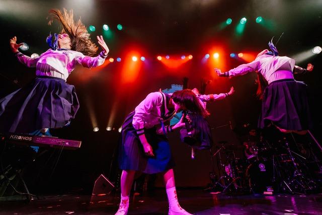 新しい学校のリーダーズ(Photo by Yuji Kaneko)