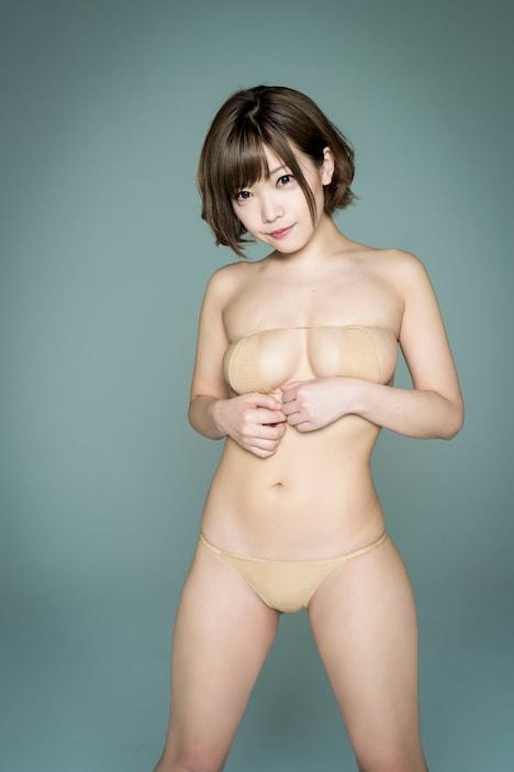 人気画像1位は「藤田恵名ニューシングルでまた脱衣、撮影は常盤響」より、藤田恵名。(撮影:常盤響)