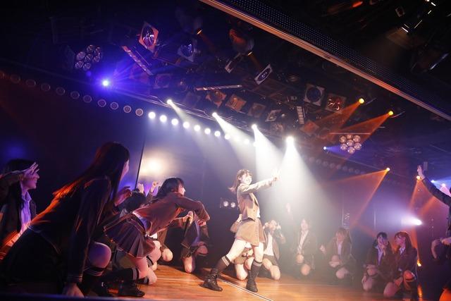 AKB48チーム4「夢を死なせるわけにいかない」公演の様子。 (c)AKS