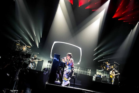 RADWIMPS「Road to Catharsis Tour 2018」神奈川・横浜アリーナ公演の様子。(撮影:ヤオタケシ)