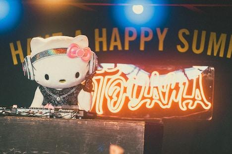 DJ Hello Kitty(撮影:きるけ。)(c)'76,'18 SANRIO APPROVAL No.P1007021
