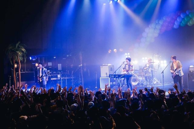 「Czecho No Republic presents ドリームシャワー2018」SHE'Sのライブの様子。(Photo by Tetsuya Yamakawa)