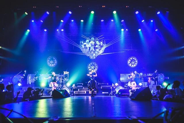 「イヤホンズ 3周年記念LIVE Some Dreams Tour 2018 -新次元の未来泥棒ども-」の様子。
