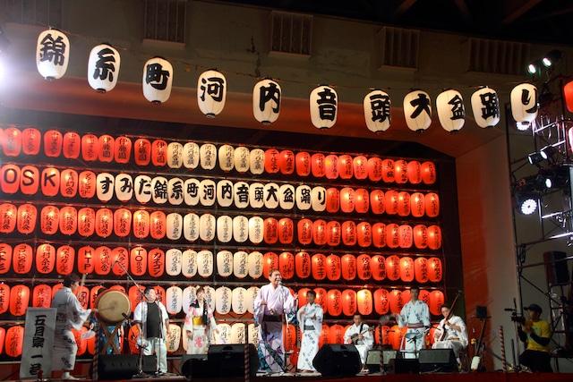 「すみだ錦糸町河内音頭大盆踊り」の様子。  (撮影:ケイコ・K・オオイシ)