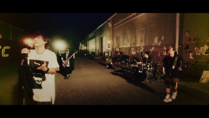SPYAIR「I Wanna Be...」ミュージックビデオのワンシーン。