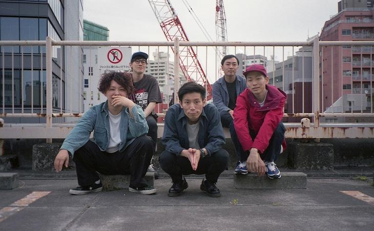 Castaway。手前左がYohei(B)。