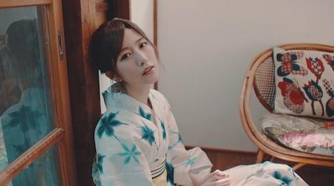 欅坂46「302号室」ミュージックビデオのワンシーン。