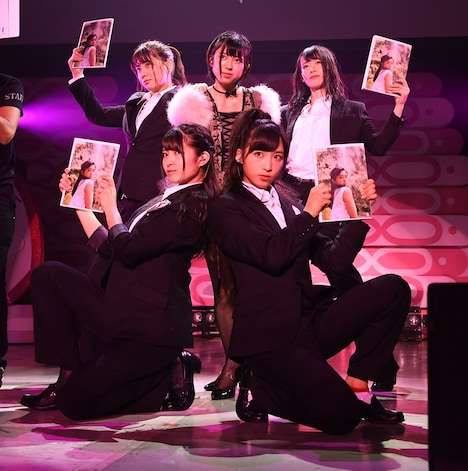 AKB48チーム8「8月8日はエイトの日 夏だ!エイトだ!ピッと祭り 2018」夜PIT公演の様子。(c)AKS