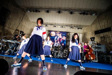 H ZETTRIOと新しい学校のリーダーズ。(Photo by Hiroki Nishioka)