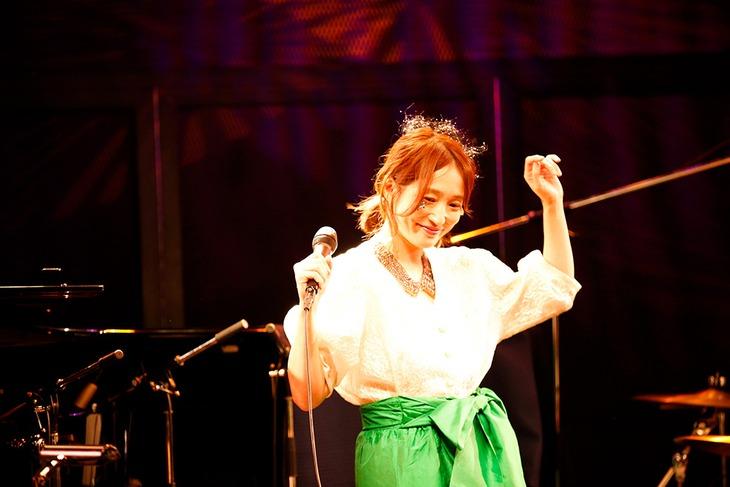 安藤裕子「ITALAN CHIBIBAND TOUR 2018」神奈川・MOTION BLUE YOKOHAMA公演の様子。(Photo by Aki Ishii)