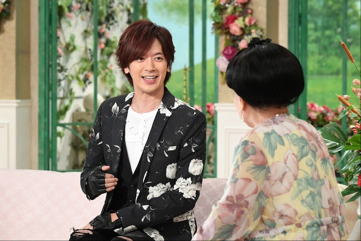 左からDAIGO、黒柳徹子。(c)テレビ朝日