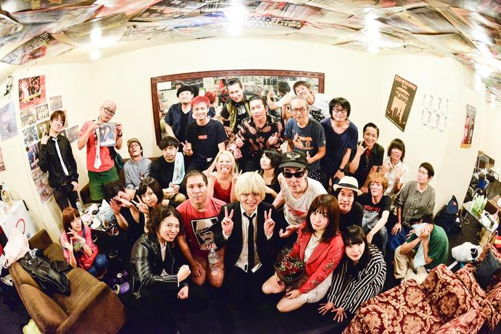 「夏の魔物2018 in OSAKA」舞台裏の様子。(撮影:橋本塁)