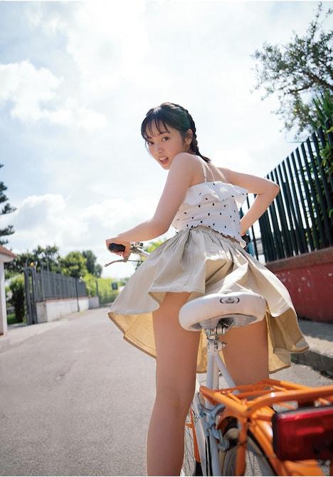 今泉佑唯(欅坂46)1stソロ写真集「誰も知らない私」掲載カット(撮影:中村和孝)