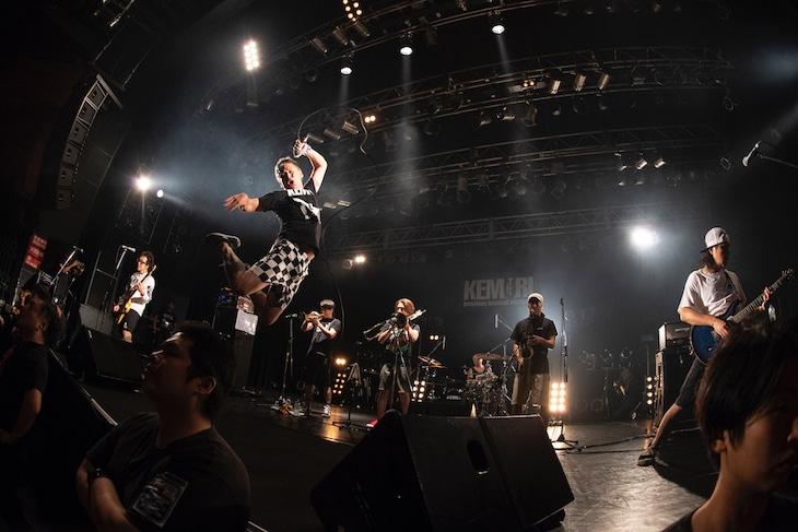 「TOUR 2018【Ko-Ou-Doku-Mai】」東京・TSUTAYA O-EAST公演の様子。