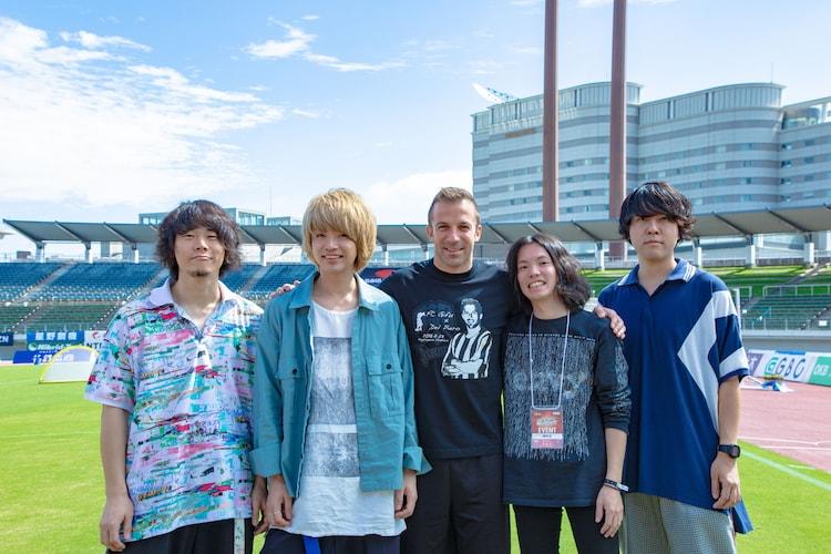 アレッサンドロ・デル・ピエロ氏(写真中央)と、cinema staff。(撮影:石崎祥子)