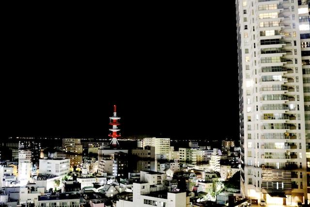 横須賀中央駅裏にあったみどり美容室跡地からの眺め。