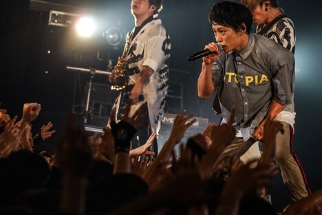 TAKUYA∞(Vo, Programming)(写真提供:ソニー・ミュージックレコーズ)