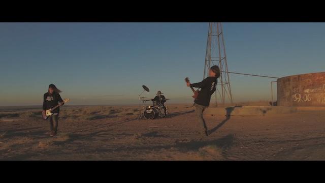 MINAMI NiNE「Niar」ミュージックビデオのワンシーン。