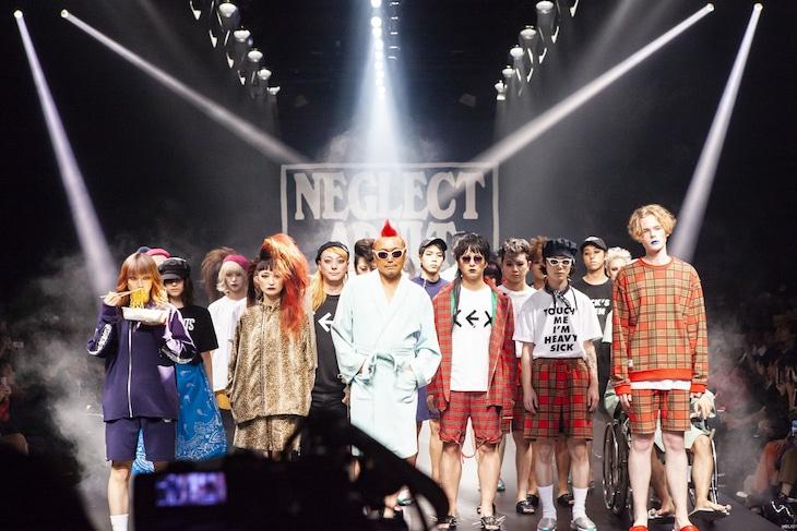 Amazon Fashion Week TOKYO「NEGLECT ADULT PATiENTS」ランウェイショーの様子。(Photo by kenta sotobayashi)