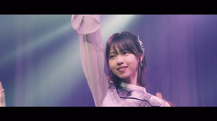 乃木坂46「帰り道は遠回りしたくなる」ミュージックビデオのワンシーン。