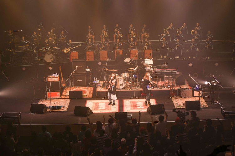 「SPACE SHOWER TV × J:COM PUFFY Precious Live in 熊本」の様子。(撮影:岸田哲平)