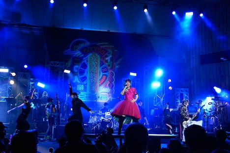 angela「angela Live 2018 All Time Best in 日比谷野音」の様子。(撮影:釘野孝宏)