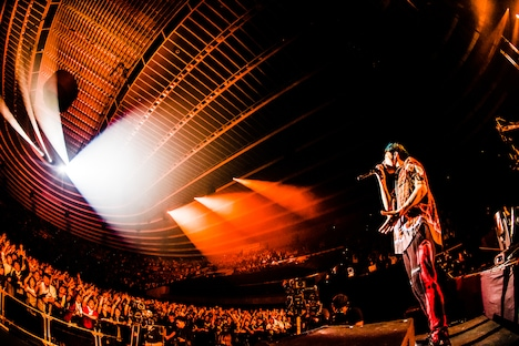ONE OK ROCK「ONE OK ROCK with Orchestra Japan Tour 2018」大阪・大阪城ホール公演の様子。(Photo by KAZUSHI HAMANO)