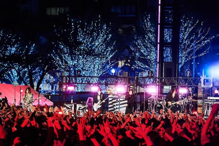 GLAY「56thシングル『愁いのPrisoner / YOUR SONG』発売記念無料配信ライブ」の様子。