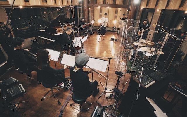 「星野源 Live at ONKIO HAUS Studio」のワンシーン。