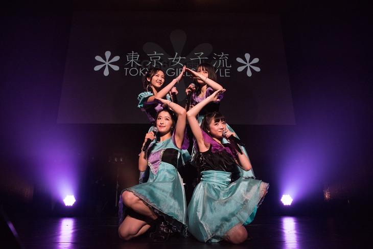 """東京女子流「STARTING OVER! """"DISCOGRAPHY"""" CASE OF TGS -TGS33~TGS68-」の様子。"""
