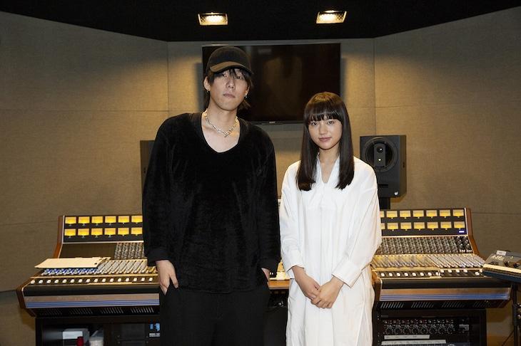 左から野田洋次郎、清原果耶。(c)「デイアンドナイト」製作委員会